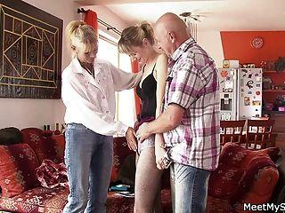 alte Paar verführen jugendlich und schlagen ihre