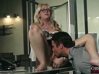 samantha rone hat leidenschaftlich Büro Sex