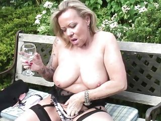 reife Schlampe Mutter und Ehefrau mit durstig Pussy