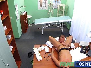fakehospital sexy verdächtige Ärzte Frau hat heiße Sex