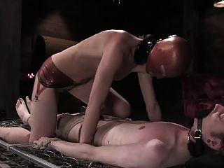Herrin mit Sklaven