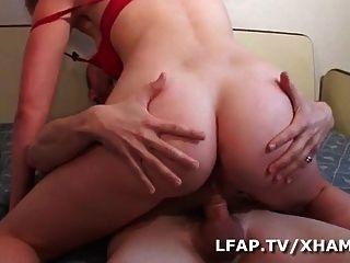 Elle se fait prendre le cul