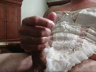 Abwischen in weißen Dessous