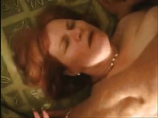 große Frau mit Sex-Szene 2 tragen Tweed