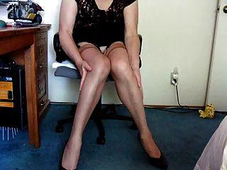 in Nylons zeigen und Füße zeigen