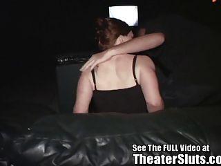 Kayce setzt auf eine öffentliche Porno Theater Sex Show