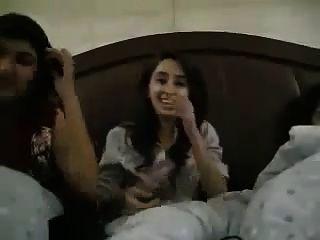 junge pakistanische College-Mädchen frei fließen erotische Gespräche
