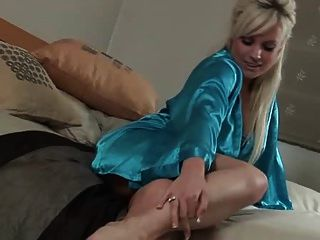 sexy Satin Mädchen
