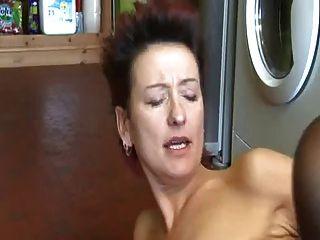 masturbieren in der Küche mit nicht seine Mutter bvr