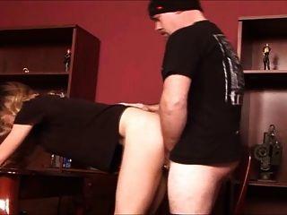 sexy Blondine in nackter Strumpfhose gefickt