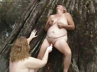 alte Lesben haben Spaß im Freien