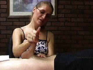 erstaunliche sara james Hexe sexy Maniküre Nägel gibt einen Handjob