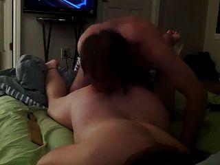 Augenbinde Mädchen mit Sex im Bett