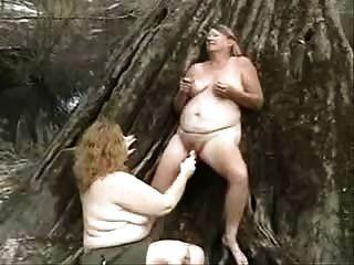alte Perversen Lesben Spaß im Freien. Amateur