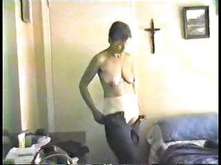 der Traum: kleine leere Saggy Titten 18
