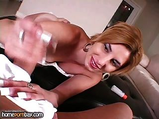 Handjob von Amateur Blondine in heißen Amateur Porno