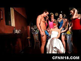 coole cfnm Henne Party im Prag Club mit sexy Teen Sandra