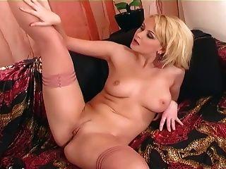 masturbieren in den Oberschenkel hohe Dessous und High Heels