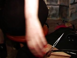 Bestrafung durch scharfe Mätressen im Schloß