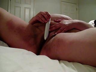 bbw Frau spielt mit ihrer Muschi, selbst gefilmt !!!