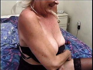 sexy haarige Oma