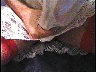 Cumming in meinem Lacy Satin Slip \u0026 roten Schlüpfer