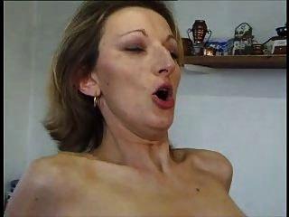 französische milf anal bei Strümpfen und Fersen.