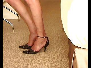 natasha in ff strümpfe zeigt ihre sweety nyloned füße