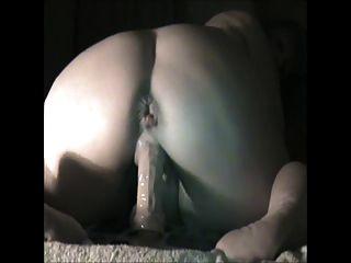 busty masturbiert anal 3