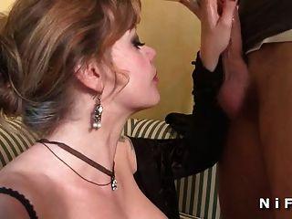 cfnm französisch reifen mit riesigen boobs wird hart geschlagen