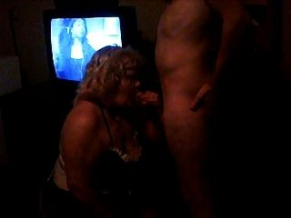 meine slutty Frau saugen Hahn in einem Motel Zimmer