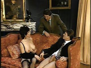 kurze Haare Dame, Gigolo und Cuckold