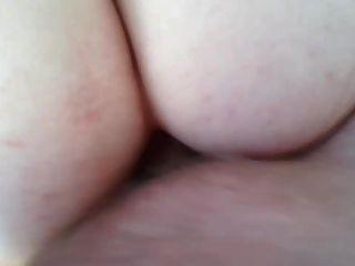 Ich ficke meine gf anal und Sperma über ihren Arsch
