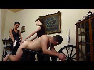 Freundinnen ficken dort Sklave