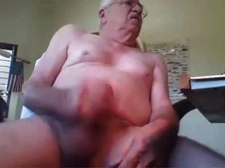 Geiler Schnurrbart Großvater masturbieren harten Schwanz