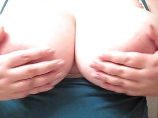 Gefühl große Brüste