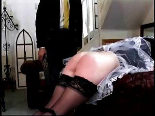 Dienstmädchen und Herrin bestraft