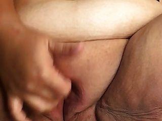 sexy bbw spielen mit ihrer fetten pussy