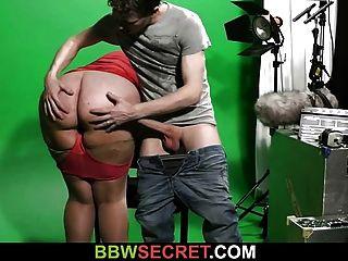 bbw saugt und reitet seinen geilen Schwanz
