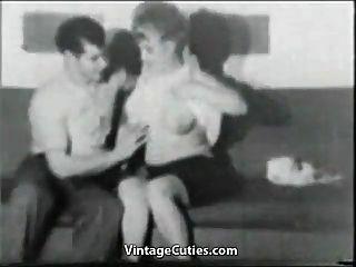 plump milf gefickt von jungen Mann (1950er Jahrgang)