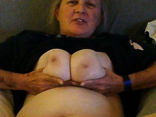 ausgesetzt und unbewusst Frau Cora wird nackt für mich
