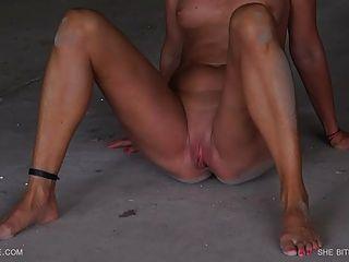 sie beißt den Staub queensnake.com qsbdsm.com