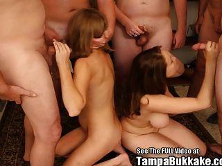 big tit und lil tit Mädchen Freunde bekommen bukkake gangbang!