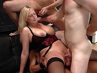 saggy tits heiße blonde busty milf rasierte pussy