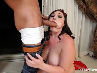 plump newbie ava puppe tiefe throats ramon monster hahn