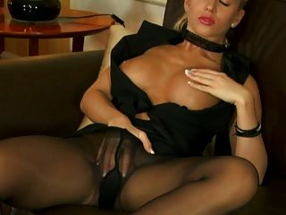 solo in nylons 1