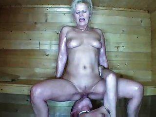 ein paar, fickt in der Sauna