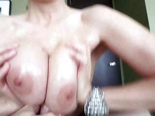 pov cumming zwischen titten (titfuck finish)