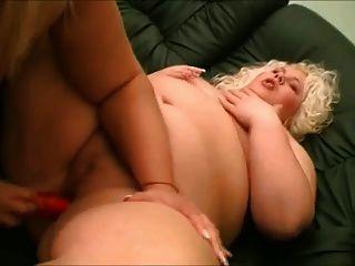 fette bbw plumper lesben lieben saugen titten und pussy 2
