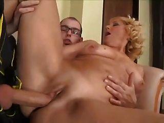 reife Frau und Junge 3